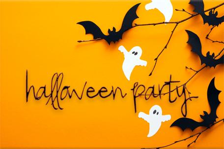Pomysły na Halloween party – dekoracje, przekąski i atrakcje 🎃
